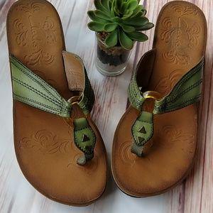 Clarks sandles. Size 9